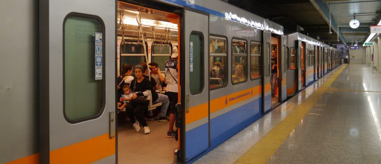 How to use Istanbul's metro system